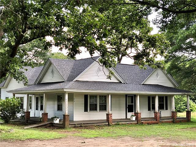 Almost Three Acres In North Carolina Love That Wrap Around Porch 159 900 The Old House Life